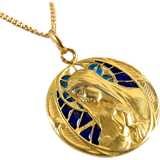 Exquisite plique-à-jour 18K solid gold, signed Becker religious medal, French fine jewelry, Virgin Mary portrait