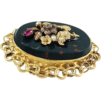 Victorian era bloodstone brooch with natural pearls, diamond and spinel set in 18K solid gold Stamped fine gold jewellery