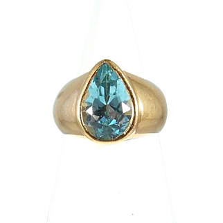 Bezel set aquamarine ring Heavy 18K solid gold ring Pear shape Faceted Fine gold jewelry Vintage Deco