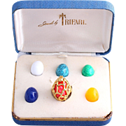 Crown Trifari Gold-Tone Nugget Caged Dome Ring With Interchangeable Lucite Cabochons (Original Box)