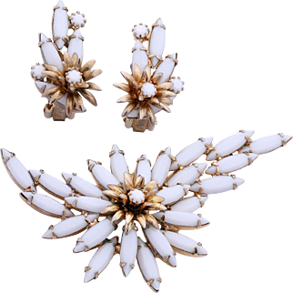 """1950s Alice Caviness """"White and Gold"""" Floral Brooch and Earrings Set"""