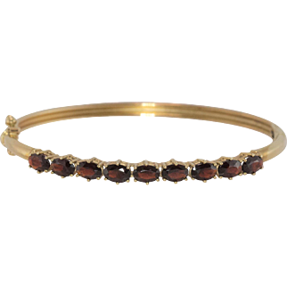 14K Yellow Gold | Garnet Gemstone | Bangle Bracelet