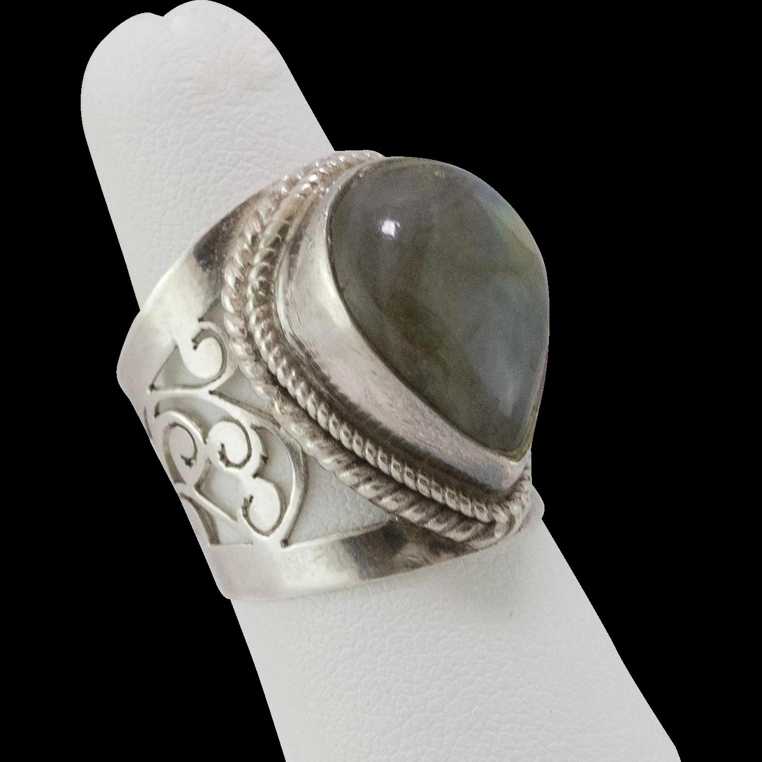 sterling silver labradorite ring from
