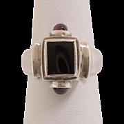 Vintage | Sterling Silver |  Black Onyx & Garnet Ring Size 7 / 7-1/4