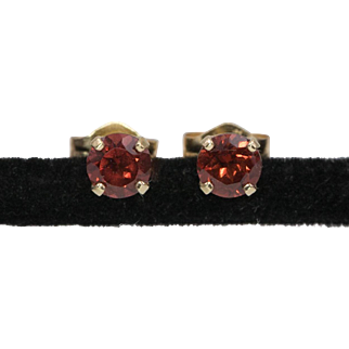 14K Yellow Gold | 4mm Garnet Gemstone | Stud Earrings