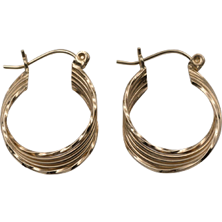 14K YG | Ribbed Earrings | Saddle-Back Closures