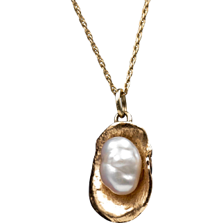 14K YG | Baroque Pearl & Clam Shell | 17-Inch 14K Chain