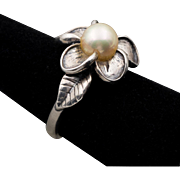 Vintage | Sterling Silver & Cultured Pearl Ring Size 7