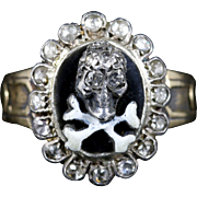 Memento Mori Diamond Skull Cross Bone Diamond Ring 18ct Gold
