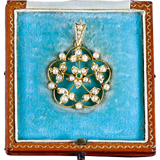 Antique Victorian Boxed Pendant Scottish 15ct Gold