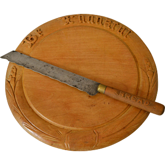 Antique  Wooden ware Breadboard and Knife with motto Be Thankful
