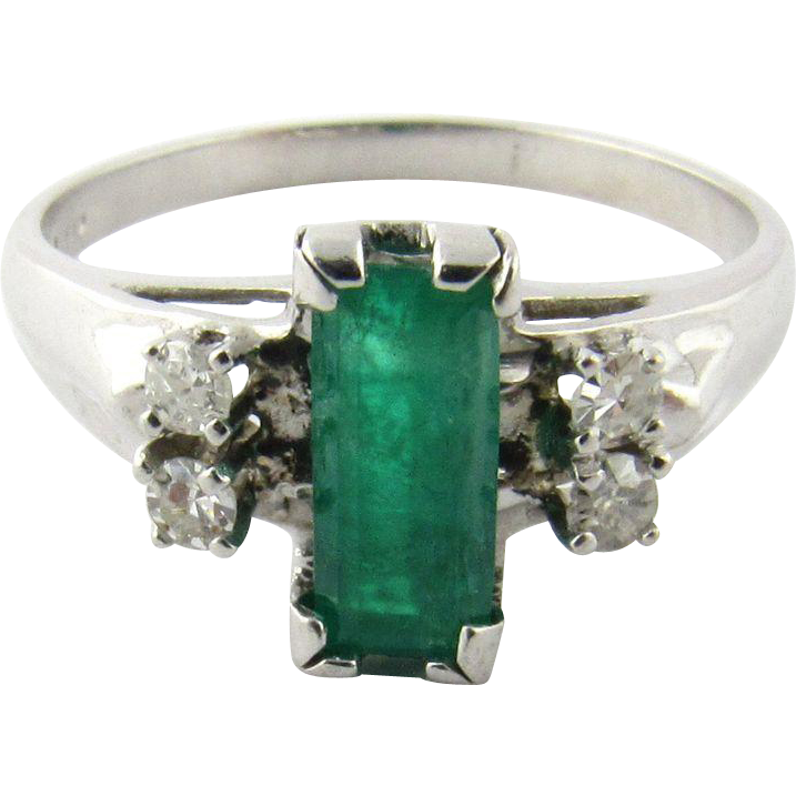 vintage 14 karat white gold emerald and ring size