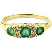 Vintage S&D Designer 18K Yellow Gold Emerald Diamond Ring Band Size 7 - Red Tag Sale Item