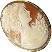 Vintage 14 Karat Yellow Gold Cameo Brooch