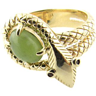 Vintage 10 Karat Yellow Gold Jade and Ruby Snake RIng Size 6.5