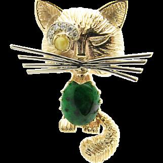 Vintage 14 Karat Yellow Gold Jade and Diamond Cat Brooch