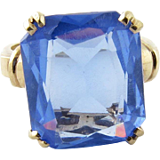 Vintage 10K Yellow Gold and Cornflower Blue Synthetic Stone Ring Size 6.25