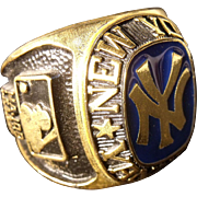 Huge Vintage New York Yankees  Championship Ring Paper Weight