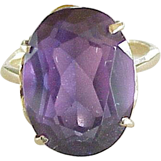 Big Color Change Sapphire 13.1 Carats Ring 18K Gold