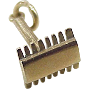 Vintage Equestrian Curry Comb Charm 9K Gold Three Dimensional circa 1950-60's