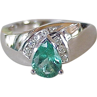Natural Emerald & Diamond Ring 18K White Gold 1.25 Carats Gem Weight