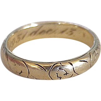 Vintage Wedding Band Ring 18K Gold 1931, Engraved Floral Design