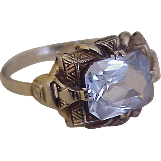 Art Deco Blue Spinel Solitaire Ring 18K White Gold circa 1920-30's