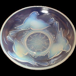 Cristallerie d'Ezanville EZAN France 'Nesting Birds' Art Deco Opalescent Bowl