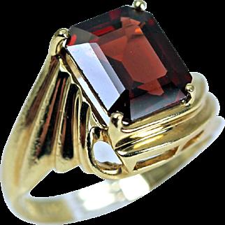 Estate Jewelry 14K Gold Garnet Ring Asymmetrical Setting