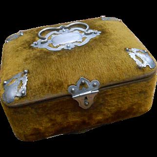 ***A wonderful French velvet box*** Approx 1880-1890