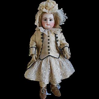 **Amazing 4-piece costume made of wild silk...***