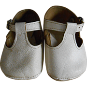 ***White old leather shoes for your character doll*****