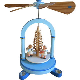 ***An Erzgebirge Christmas pyramid*** Vintage, approx 1960-1970