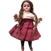 **All bisque mignonette doll** very sweet...! 4,4 inches tall.