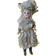 Wonderful mignonette doll, made by kestner, original clothes !****