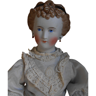 ***1870 Parian doll with problems***18,8 inches.