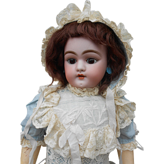 Amazing doll, made for the French market**Simon and Halbig 1079 DEP****