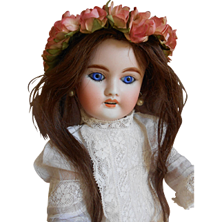 **French cabinet size Mon Cheri doll made by L.P. Louis Leon Prieur***12,8 inches.