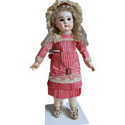**Beautiful dress and matching hat for an 10,8-11,2 inches doll.***