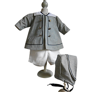 **Wonderful  3 piece suit for a BOY !!!***nicely made !