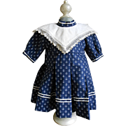 **A lovely dress made for fine cotton, anchor fabric and antique collar***