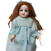 ***Sweet mignonette doll, closed mouth 4,6 inches**