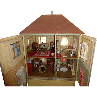 German or American Doll house 1930 fully furnished