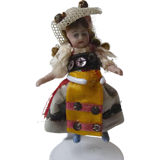 Lilliputien A/O - very pretty Swiss or French Costume