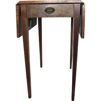 Vintage Heirloom Weiman Drop Leaf Side Table with Leather Top