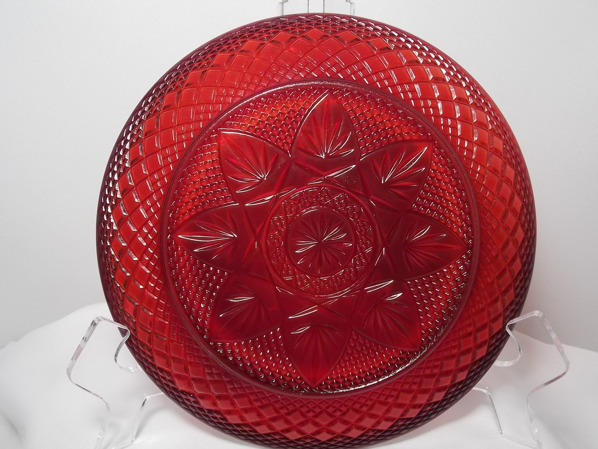 Vintage cristal d 39 arques durand ruby red salad bread for Arc decoration arques