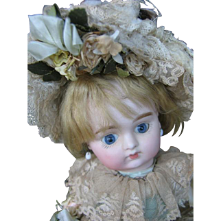 French bébé just sign 3 16 inches or 40 cm doll type FG.