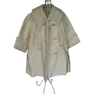 Antique coat fits a 32 inches or 80 cm doll.