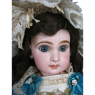 Jumeau no  9 20 inches or 50 cm,closed mouth