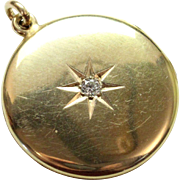 """Vintage 1940s 14k Gold Locket with Diamond and """"G"""" initial. Can hold Photo!"""